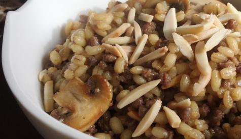 גריסי פנינה עם בשר ופטריות