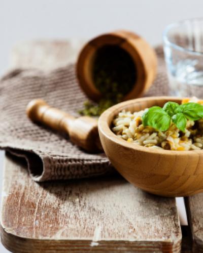 תבשיל אורז מלא עם מאש וחמאה